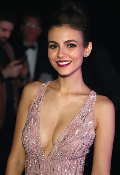 Victoria Justice hot busty pic