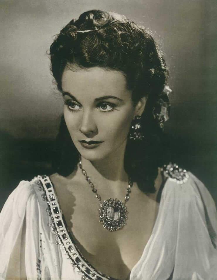 Vivien Leigh cleavage