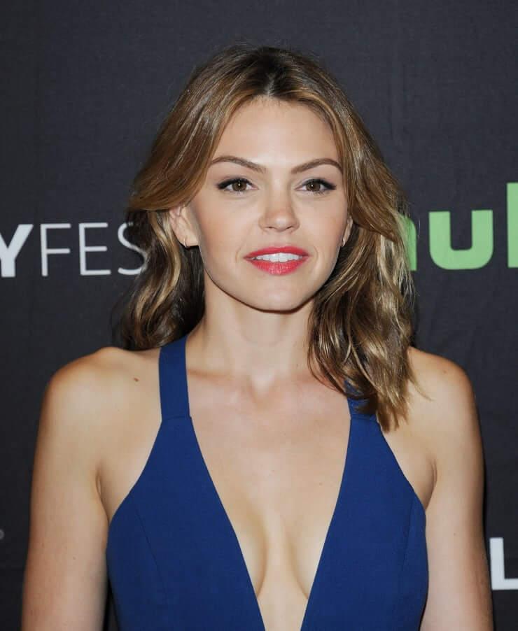 aimee teegarden sexy cleavage