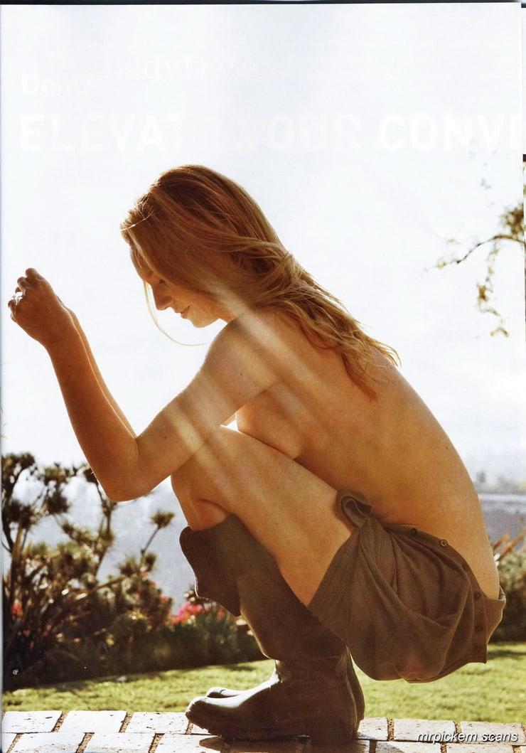 anna torv near-nude