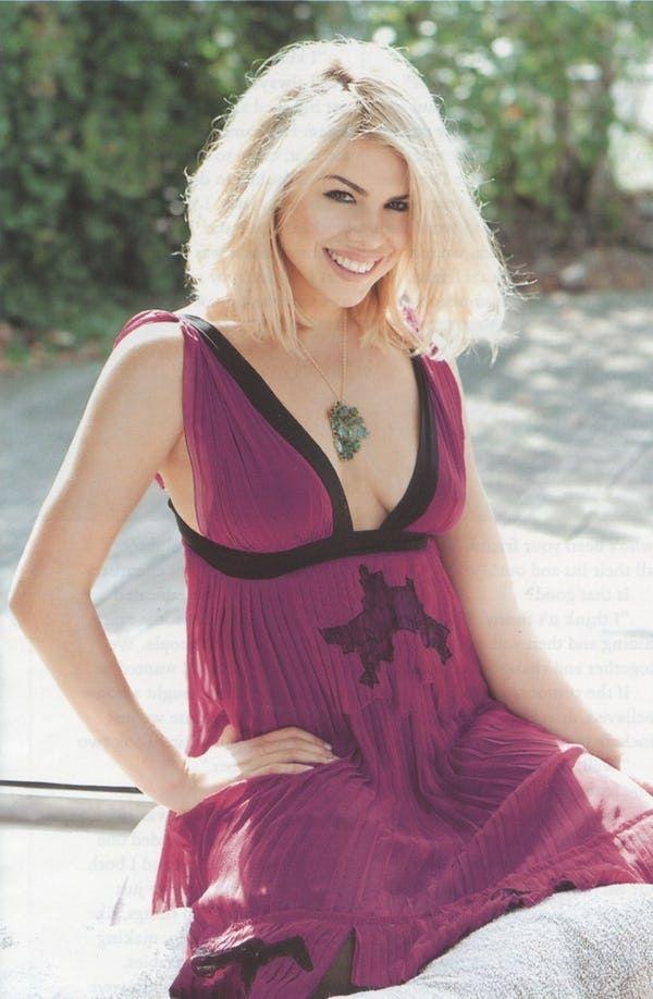 billie piper cleavage photo