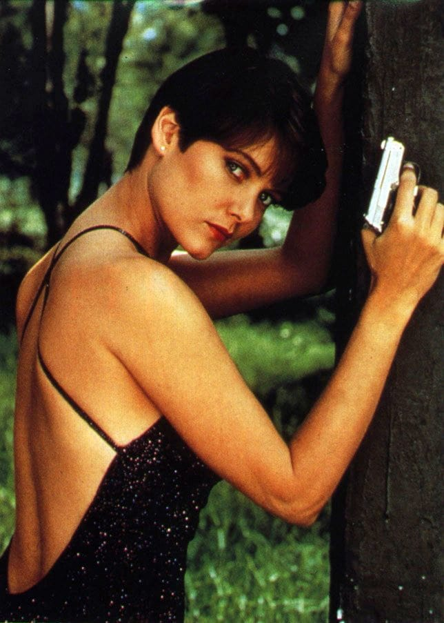 carey lowell hot back