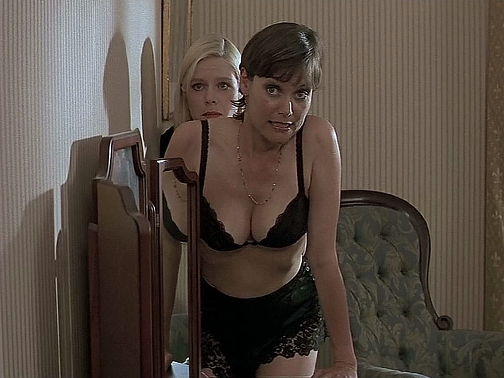 carey lowell sexy pictures
