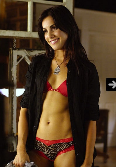 carly pope hot pictures