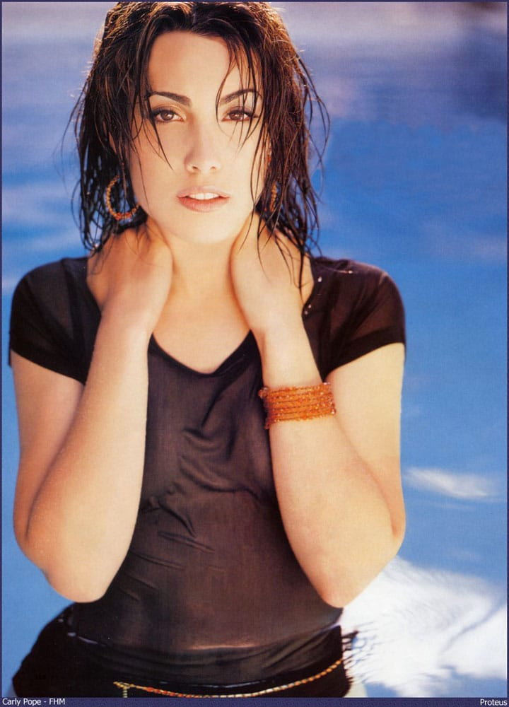 carly pope hottie look