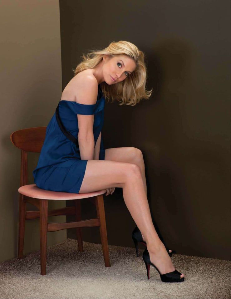 elizabeth mitchell hot thighs