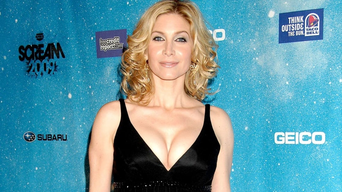 elizabeth mitchell hottie look