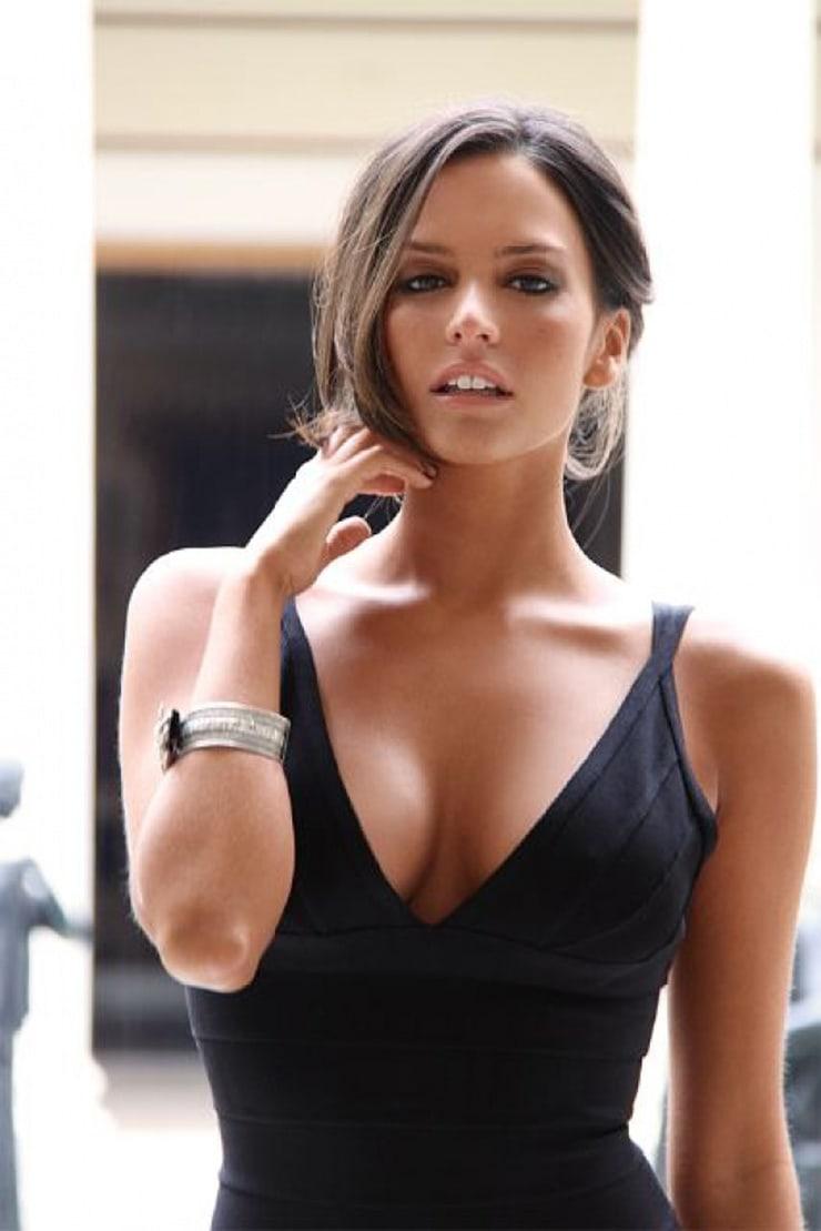 genesis rodriguez cleavage