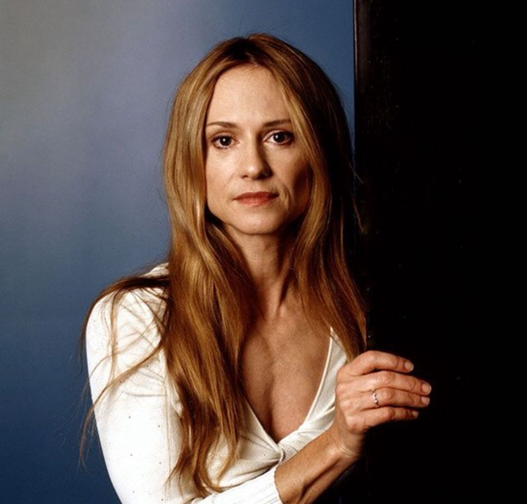 holly hunter cleavage