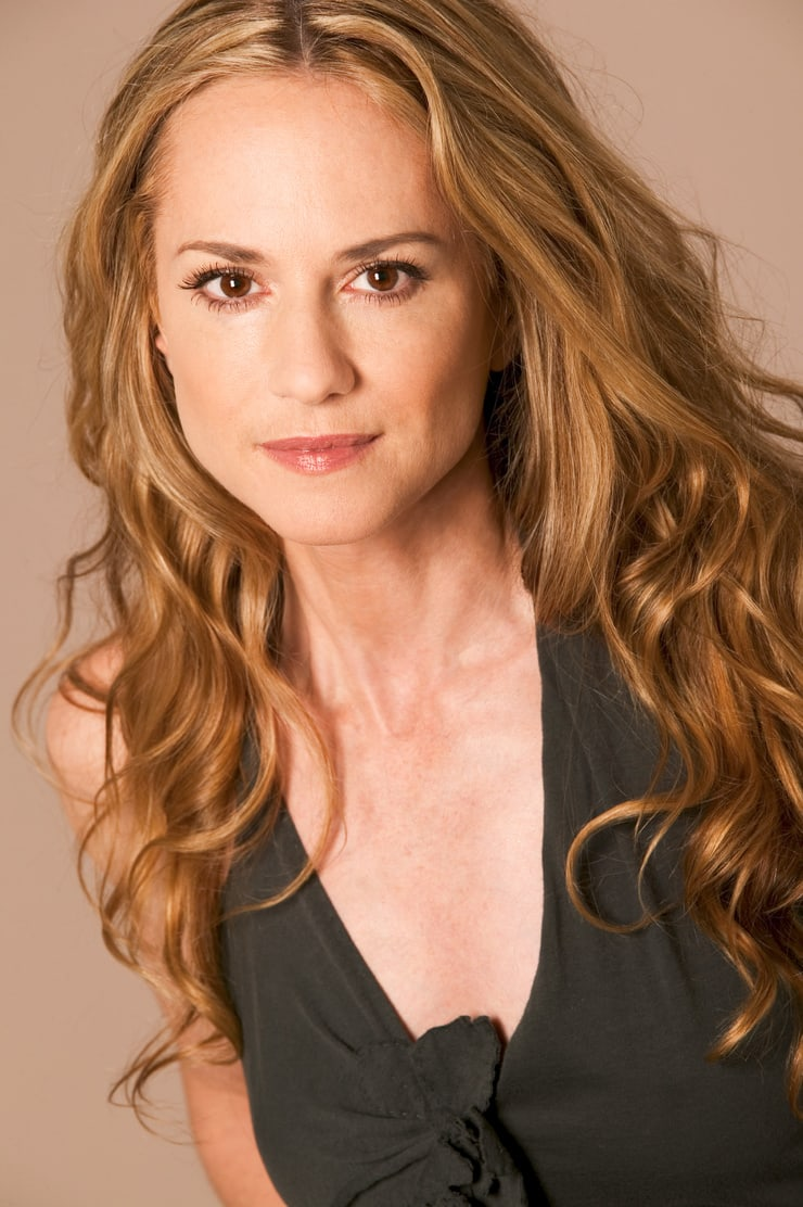 holly hunter sexy cleavage