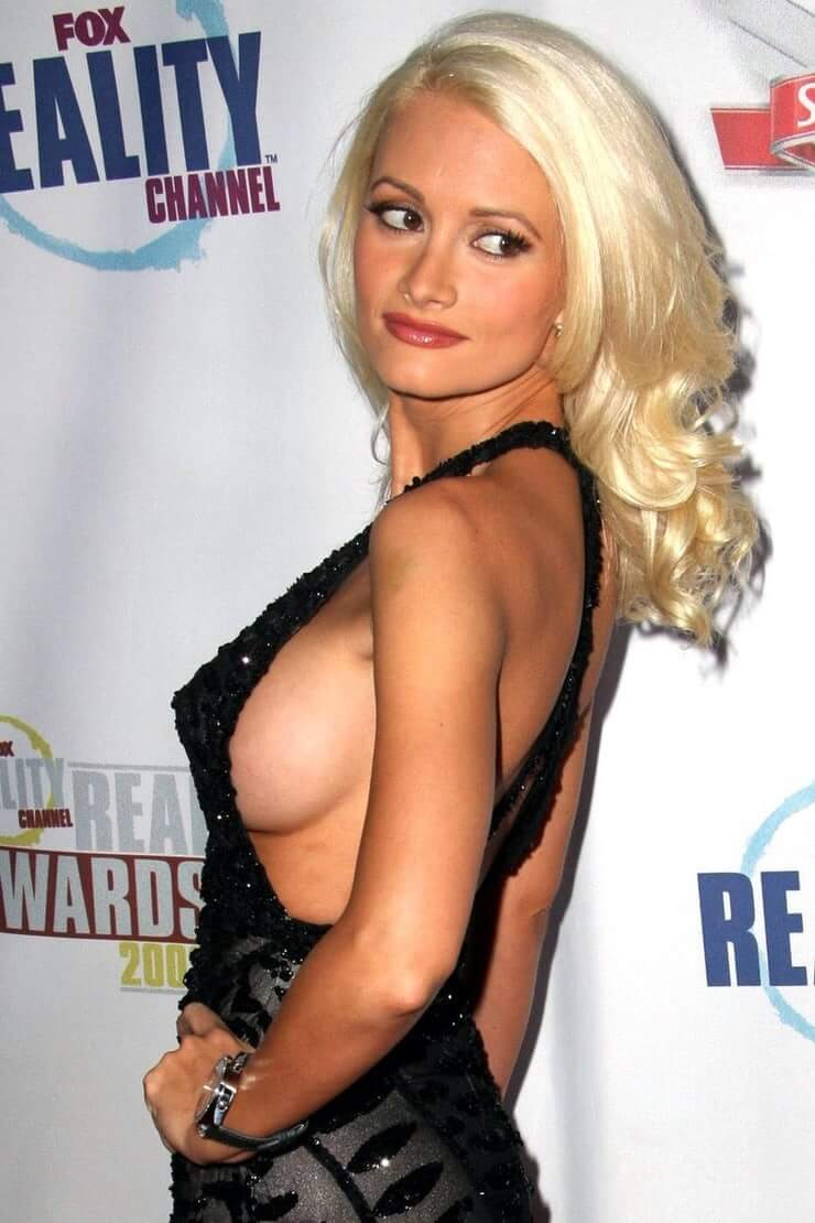holly-madison side boobs (2)