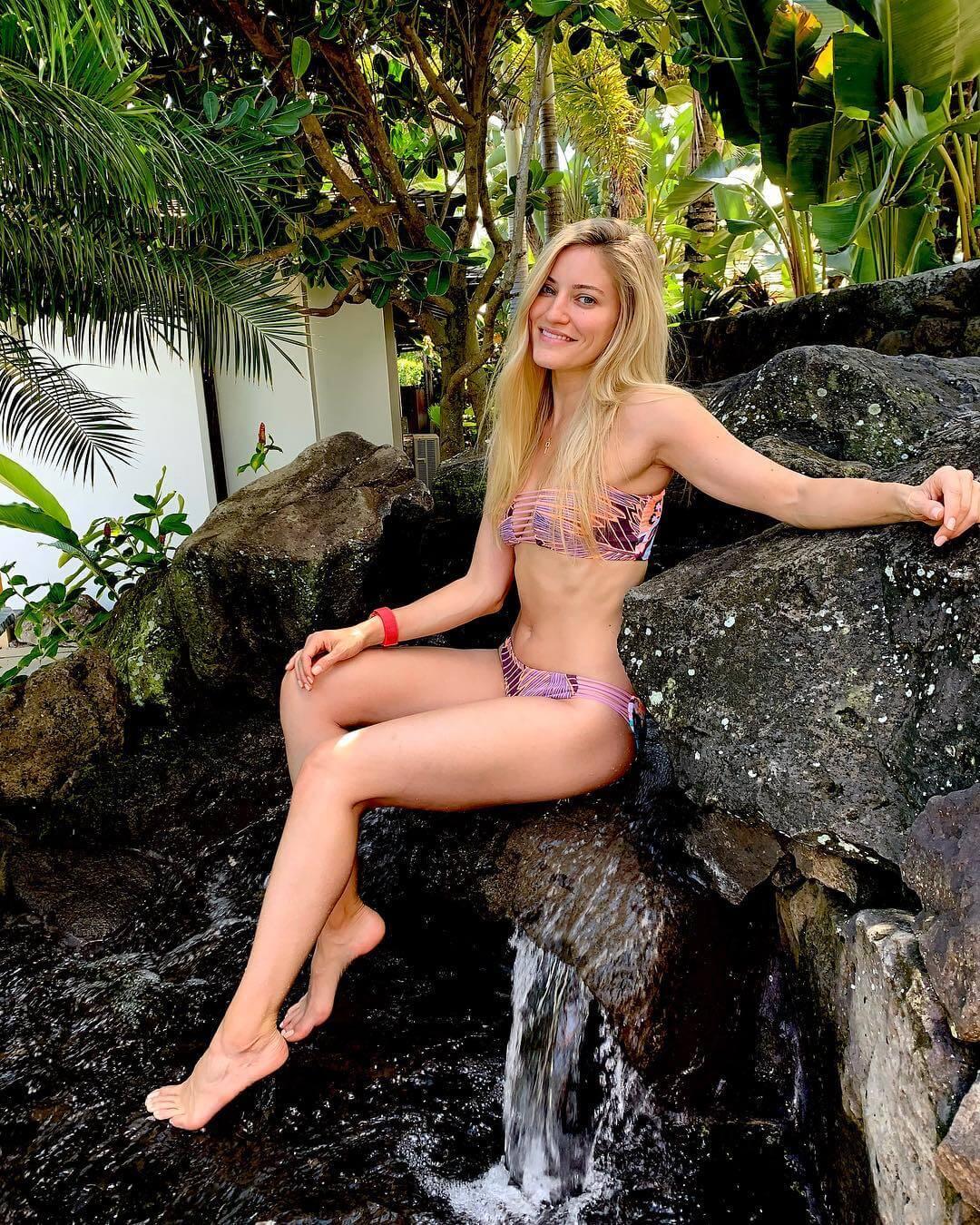 iJustine sexy bikini pics (2)