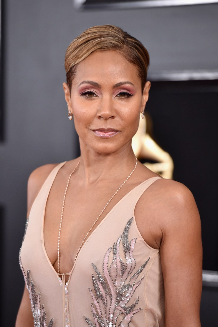jada pinkett smith cleavage pictures
