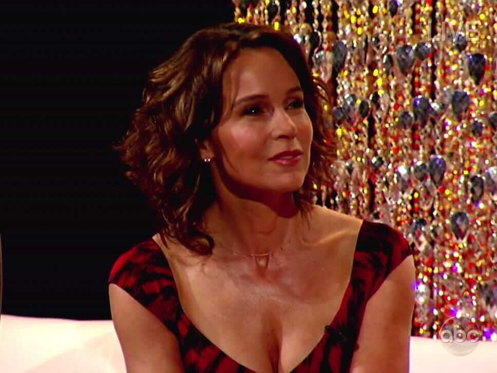 jennifer grey cleavage pics