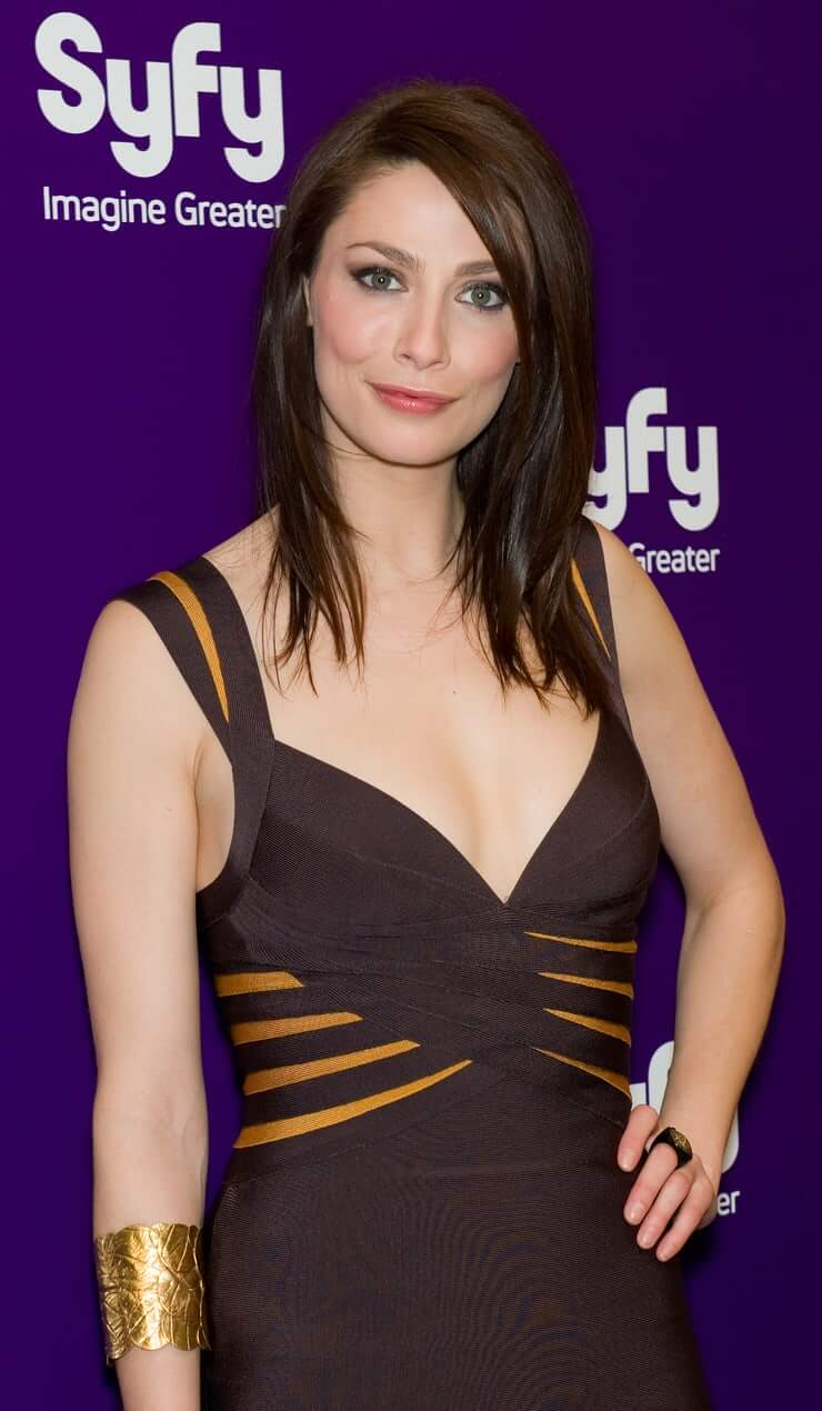 joanne kelly hot pictures