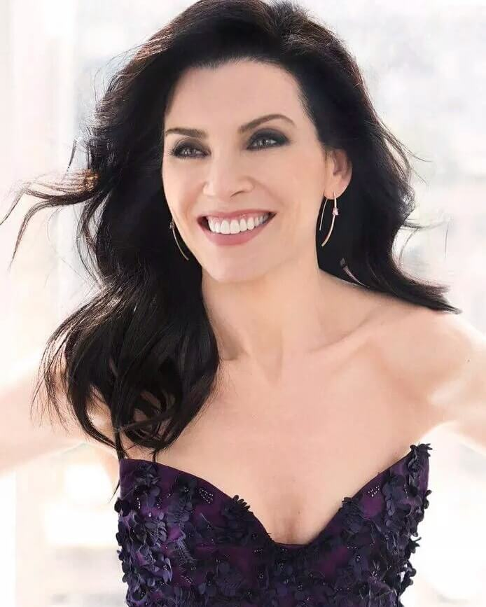 julianna-margulies cleavage