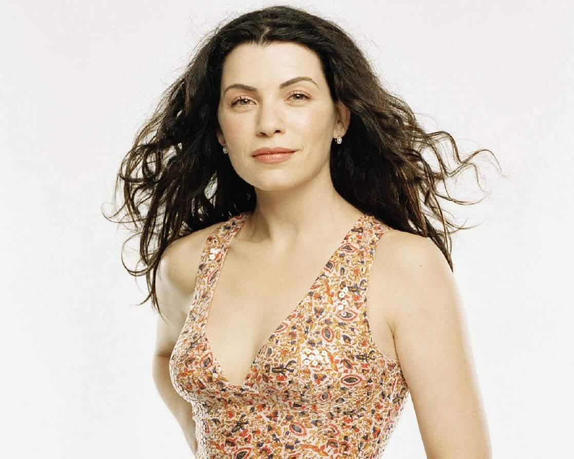 julianna-margulies sexy cleavage (2)