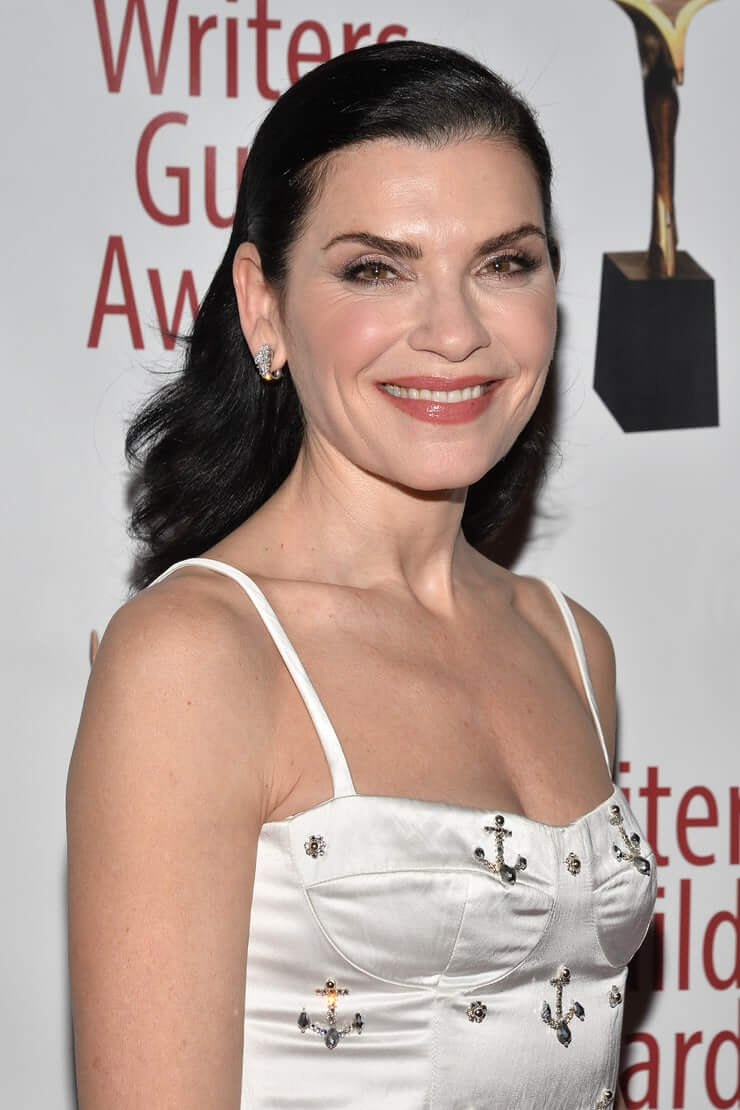 julianna-margulies sexy pictures