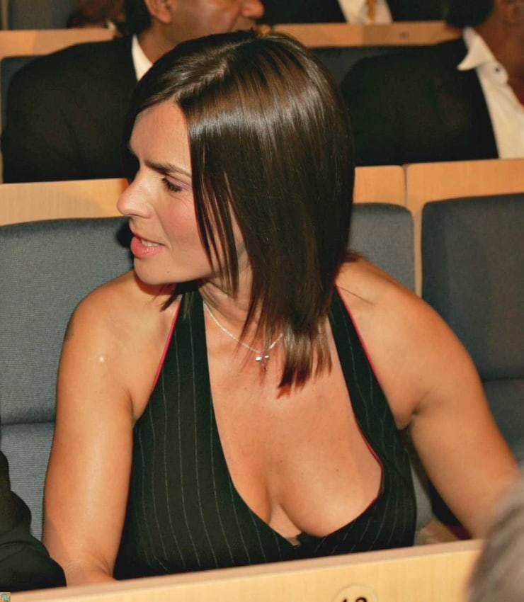 katarina witt cleavage photo