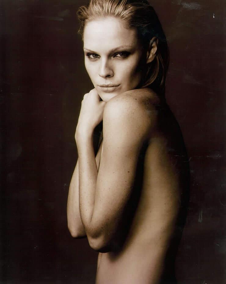 Kate Nauta  nackt