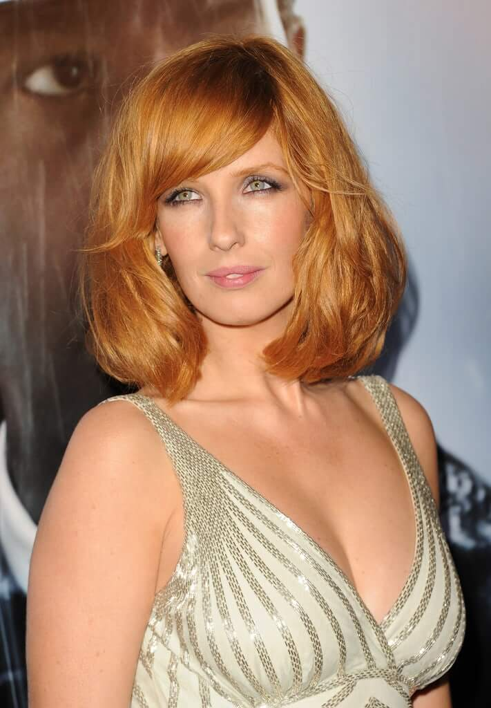 kelly reilly cleavge
