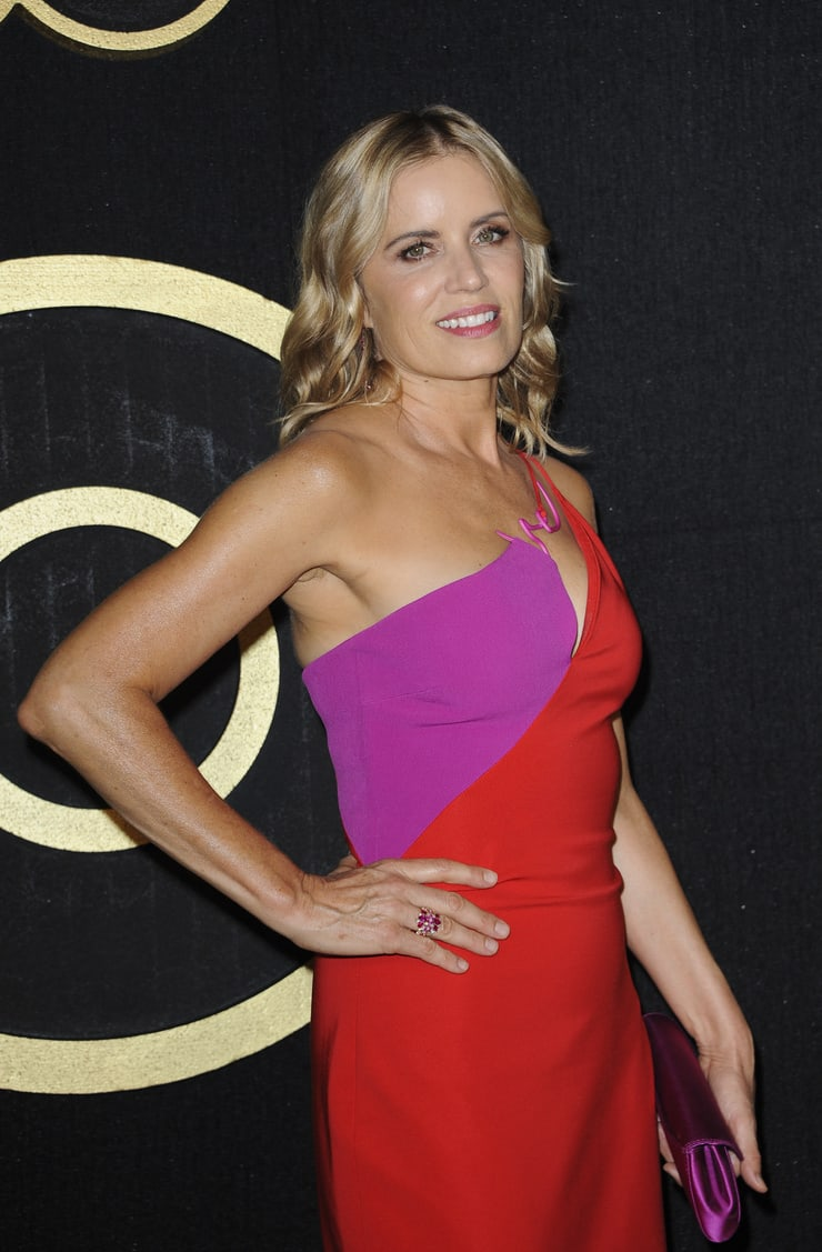 kim dickens hot pictures