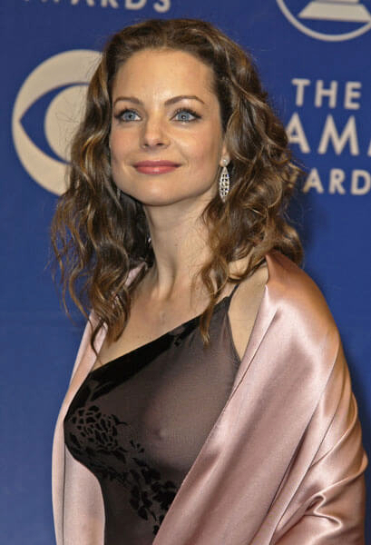 kimberly williams-paisley hot (3)