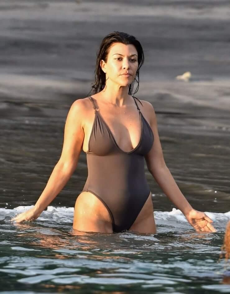 kourtney kardashian swimsuit