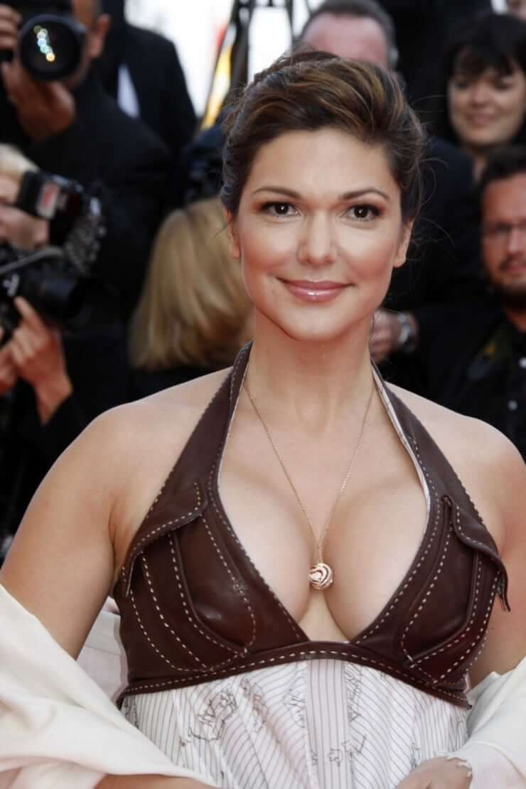 laura harring sexy look
