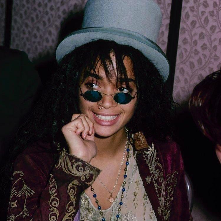 lisa bonet smile pics
