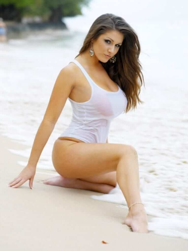lucy pinder feet pics