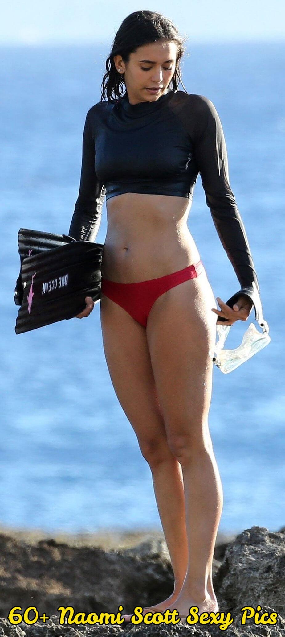Naomi Scott Hot Pics