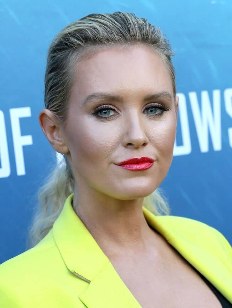 nicky whelan lips