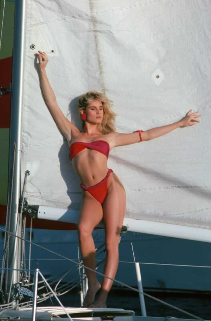 nicollette sheridan hot pictures