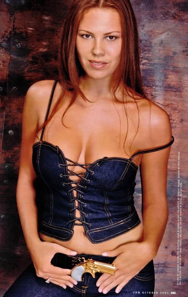 nikki cox cleavage