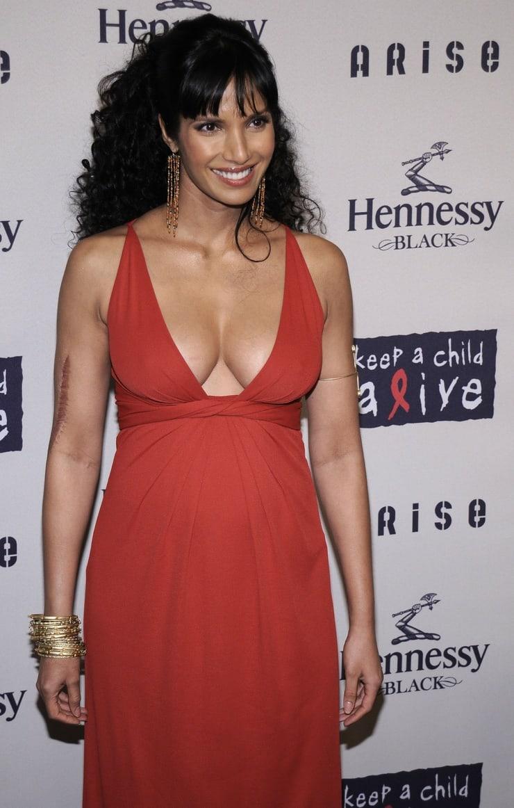padma lakshmi hot cleavage
