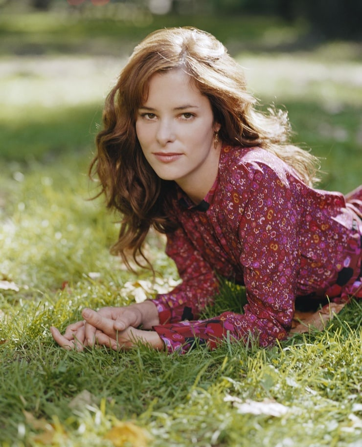 parker posey on the grass