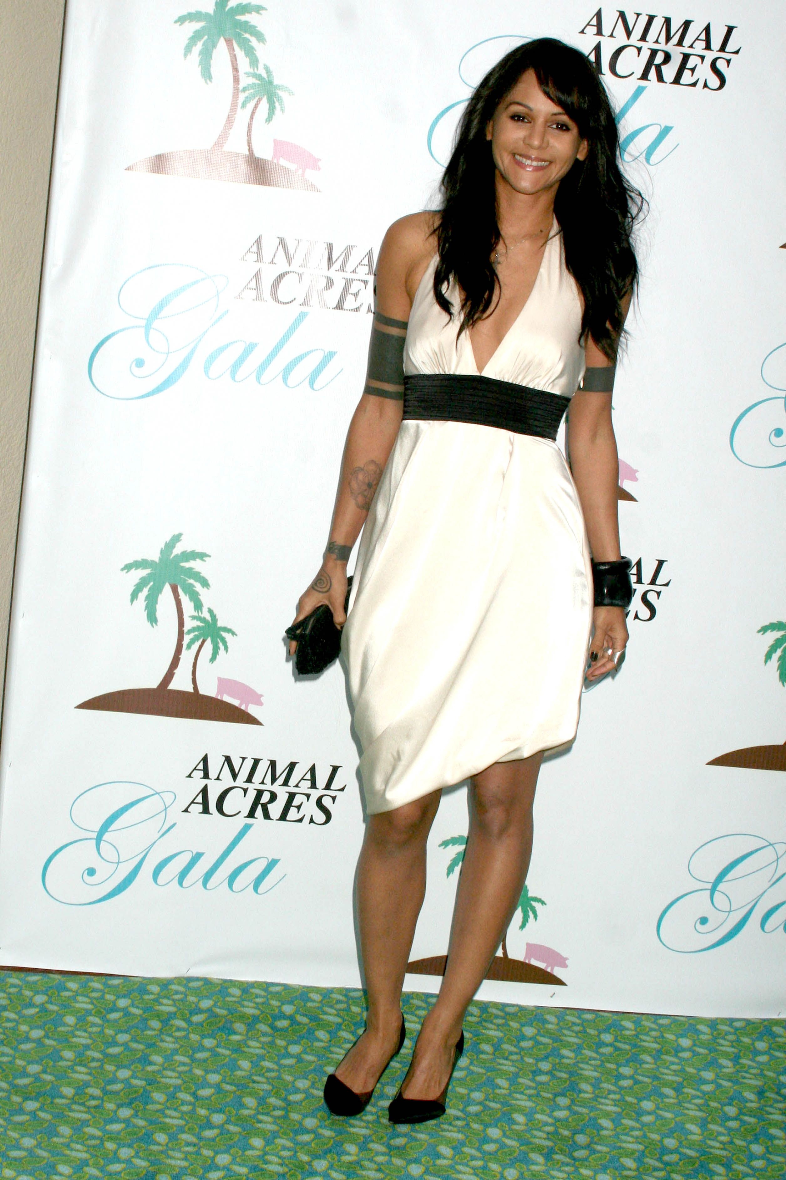 at the Annual Animal Acres Gala. Riviera Country Club, Pacific Palisades, CA. 09-12-09