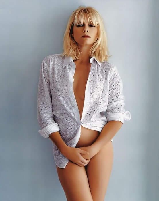 peta wilson sexy image