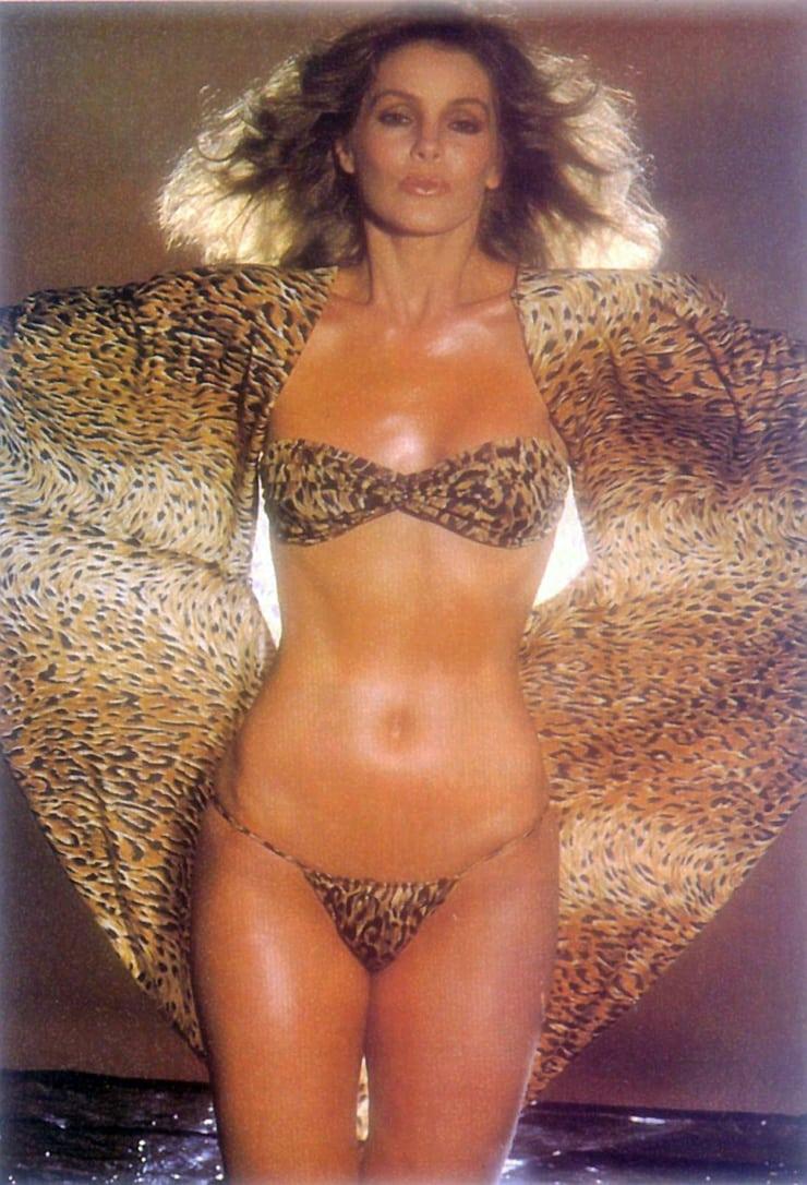 priscilla presley hot bikini