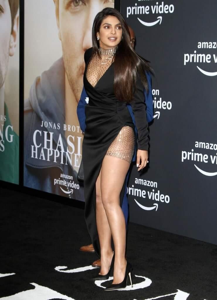 priyanka chopra thighs