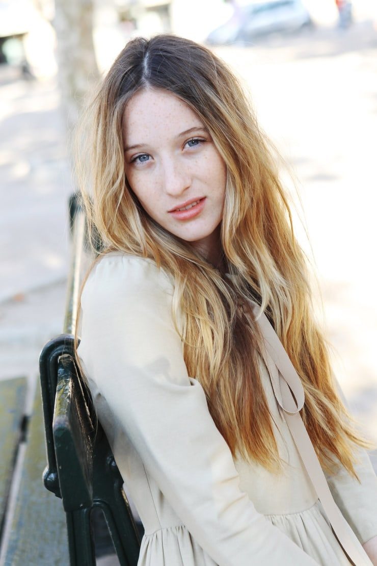 sophie lowe gorgeous