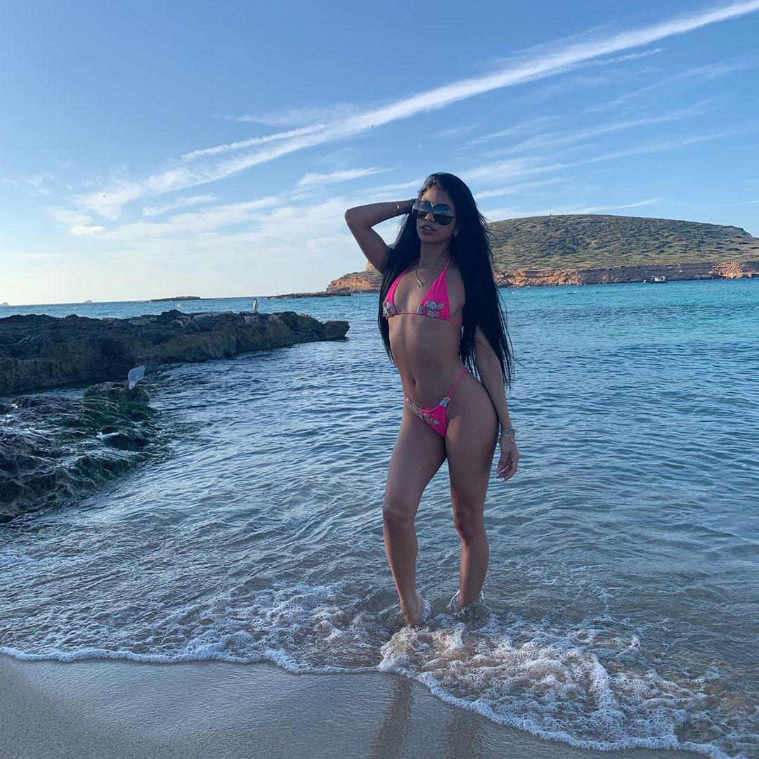 veronica rodriguez bikini pics