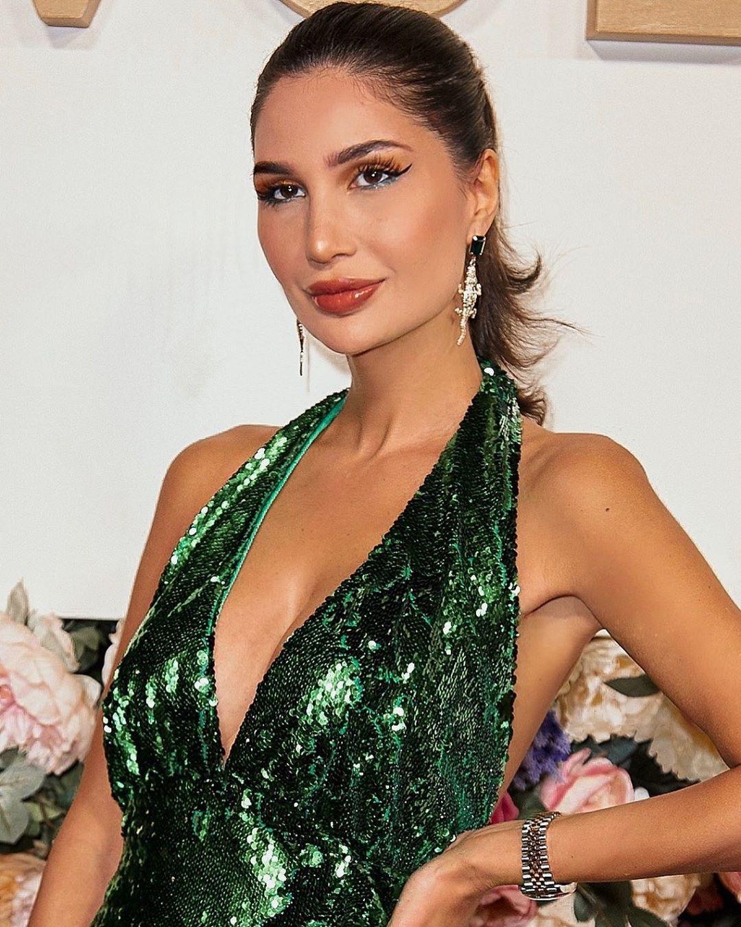 Alice Abdel Aziz sexy boobs pics