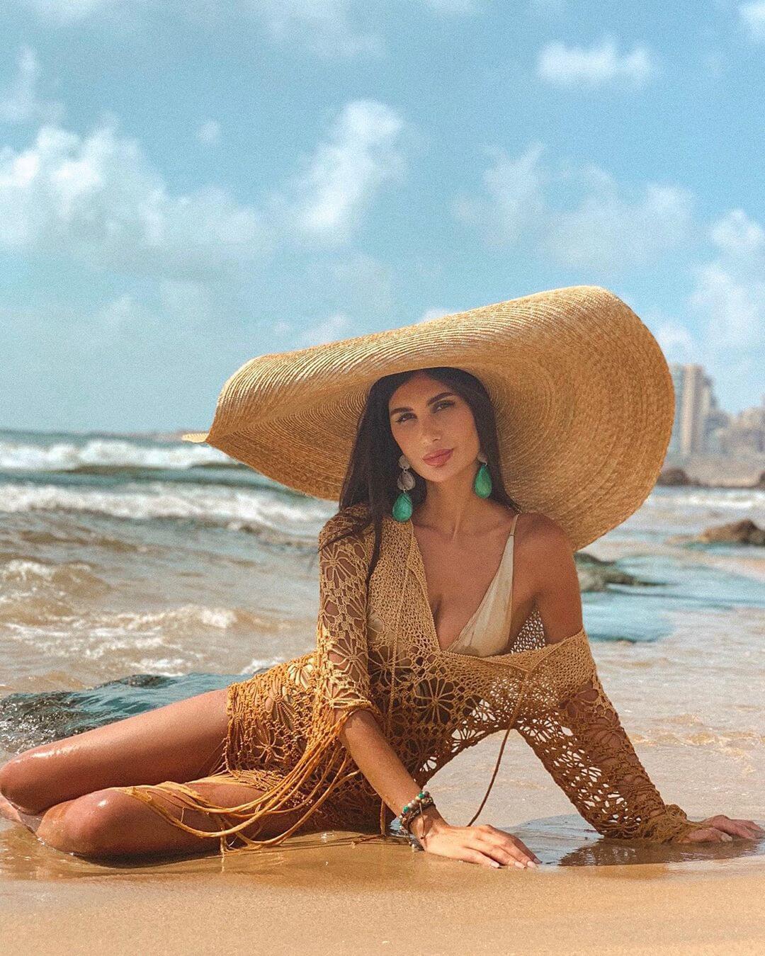 Alice Abdel Aziz sexy pics