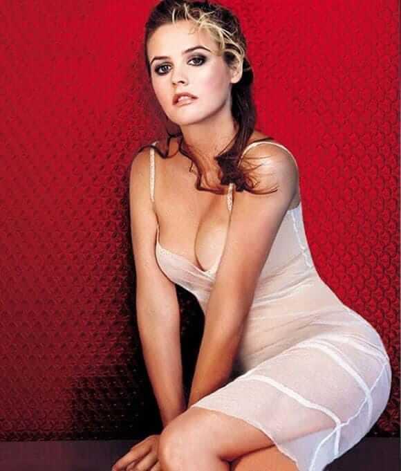 Alicia Silverstone sexy boobs pics