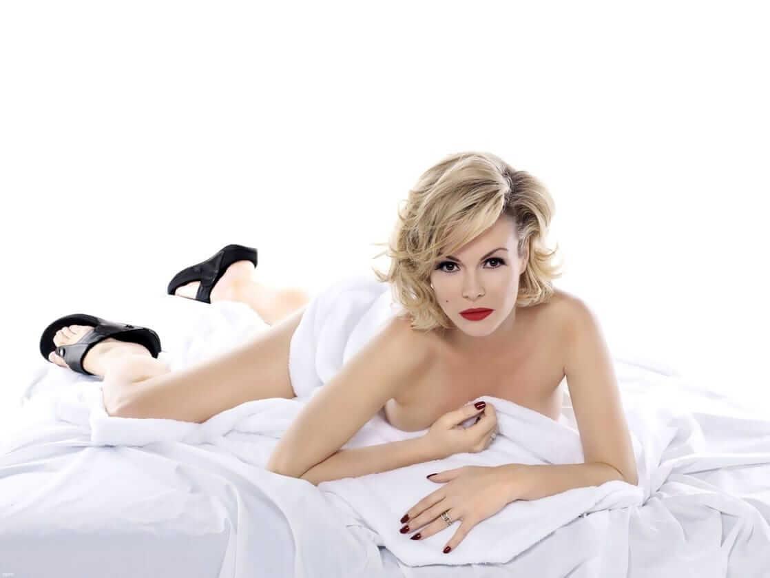 Amanda Holden hot nude pics