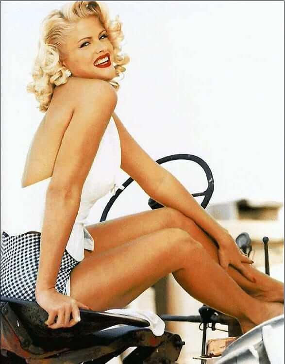 Anna Nicole Smith hot ide pics