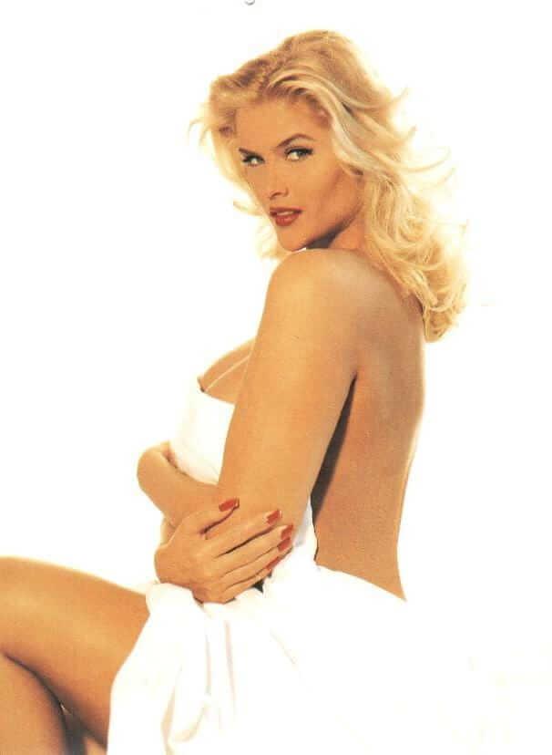 Anna Nicole Smith hot side pics