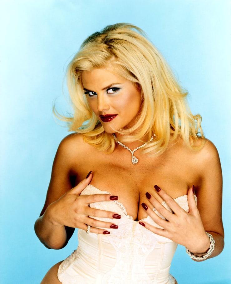 Anna Nicole Smith sexy boobs pics (2)